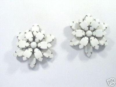Vintage Elegance White Glass Earrings