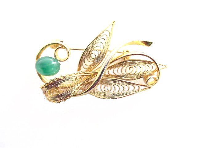 Vtg Green Art Glass Gold Tone Metal Wire Brooch