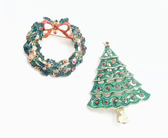 Vtg Lot 2 Enameled Wreath & Christmas Tree Brooch