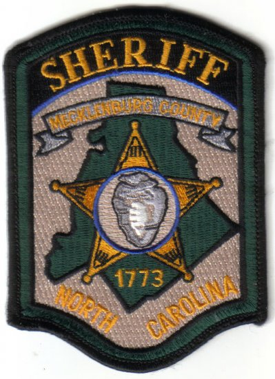 MECKLENBURG COUNTY NORTH CAROLINA SHERIFF PATCH $5 POLICE COPS LAWMAN