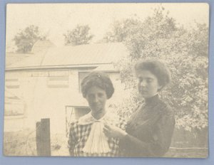 Vintage Photo TWO WOMEN 1900s/1910s