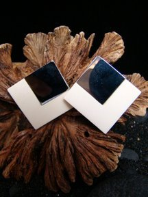 FOSSIL MAMMOTH IVORY & STERLING SILVER OMEGA STYLE PIERCED EARRINGS  FREE USA SHIPPING