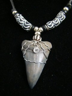 BLACK FOSSIL MAKO SHARK TOOTH NECKLACE ANTIQUE AFRICAN TRADE BEADS   FREE SHIPPING!
