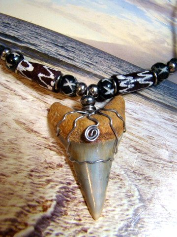"""GREAT WHITE FOSSIL SHARK TOOTH NECKLACE  ANTIQUE AFRICAN BEADS  2"""""""