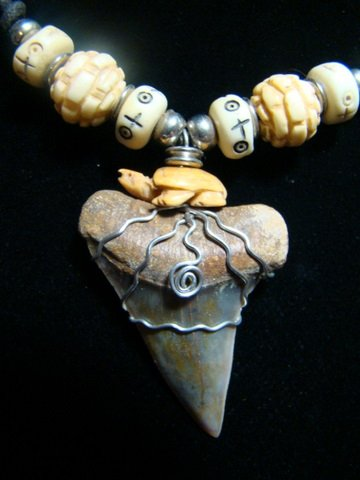 FOSSIL MAKO SHARK TOOTH CARVED BONE TURTLE & TIBETAN YAK BEADS HARLEY STAINLESS STEEL WIRE NECKLACE