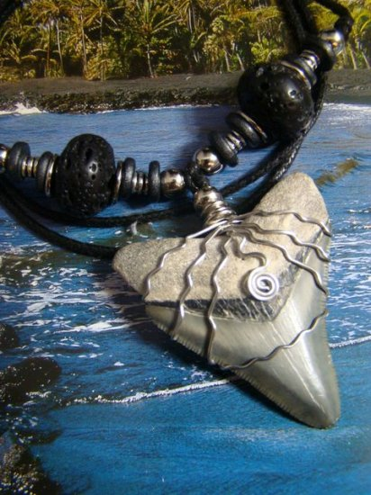 """BONE VALLEY FLORIDA  FOSSIL """" MEGALODON SHARK """" TOOTH & LAVA ROCK NECKLACE"""